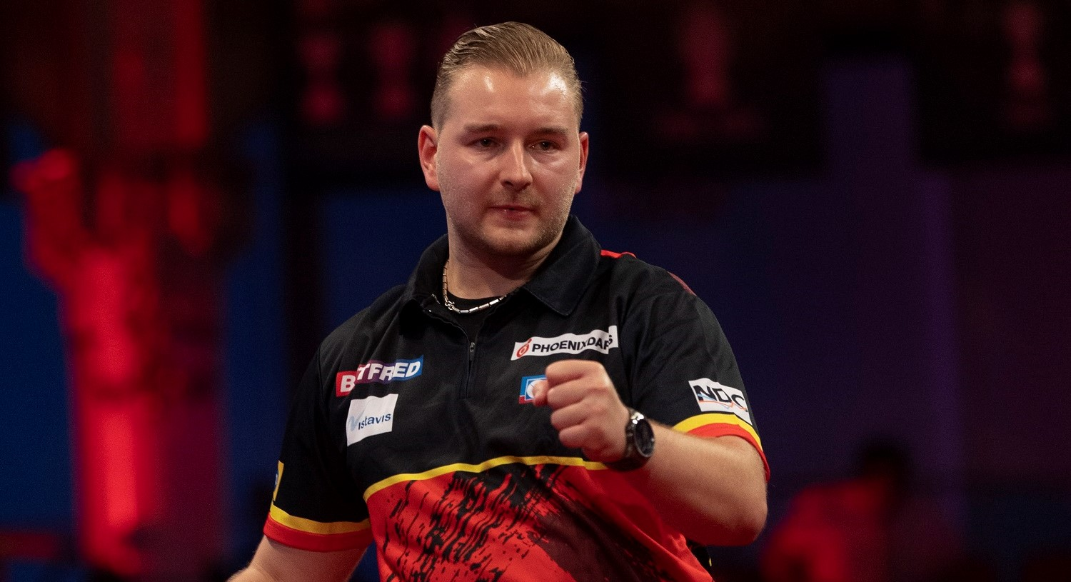 VIDEO: Van den Bergh faces Lewis in PDC Super Series 7 (Players Championship 24) Day One final