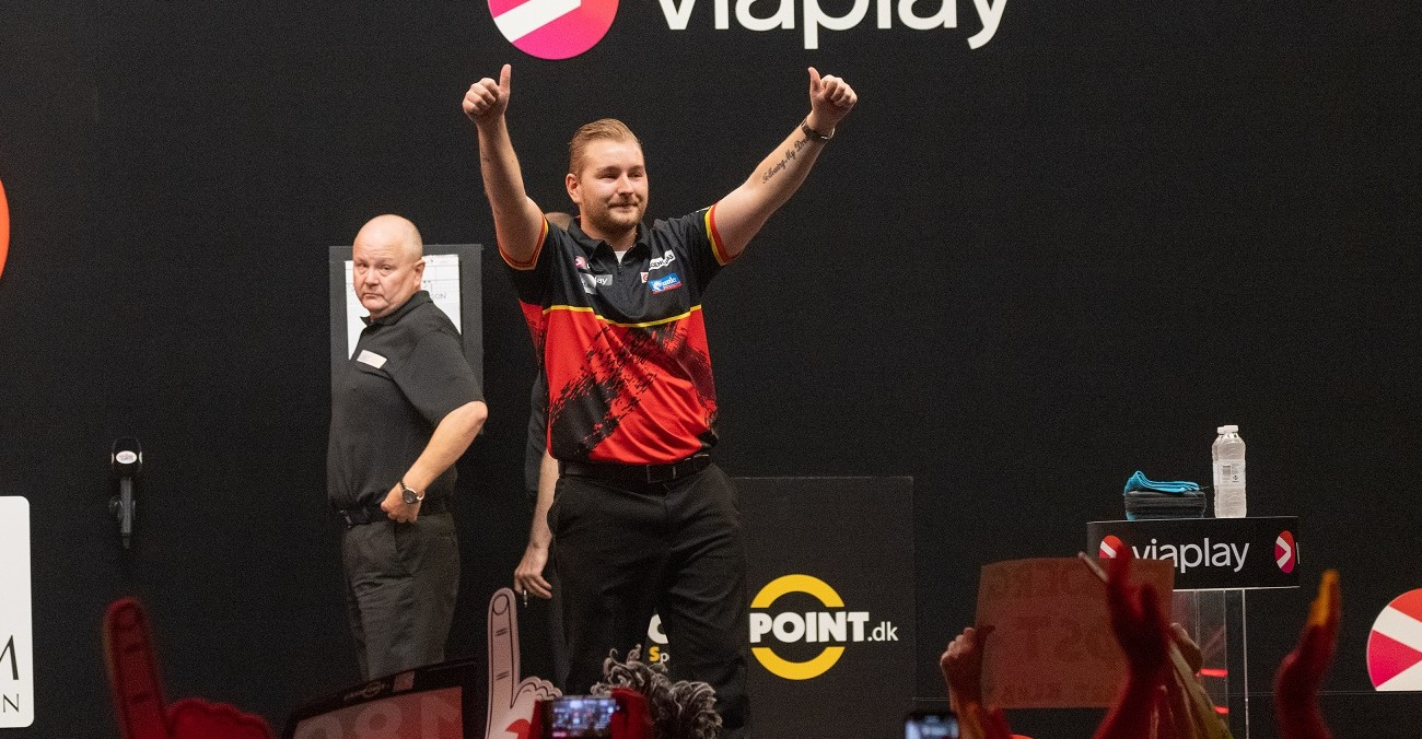 Van den Bergh claims opening PDC Super Series 7 title with Players Championship 24 win against Lewis (Live Blog closed)